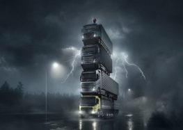 Вежа з вантажівок Volvo (відео)