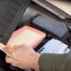 Заміна повітряного фільтра WIX WA9615 на Hyundai Accent (відео)