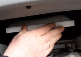 Заміна фільтра салону Jc Premium B40511PR на Hyundai Accent (відео)