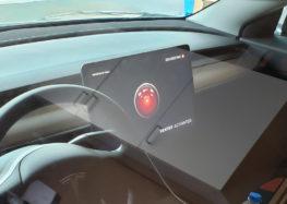 Tesla будуть показувати відео TeslaCam на власному екрані