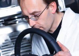 Audi Nose Team: люди, які нюхають авто (відео)