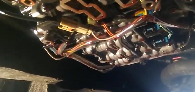 Заміна фільтра АКПП Febi 47165 на Volkswagen Passat B7 (відео)