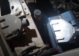 Заміна покажчика лівого повороту DEPO 551 1507L UE на Renault 21 (відео)