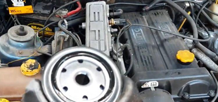 Заміна масляного фільтра Wix WL7078 на Ford Sierra (відео)