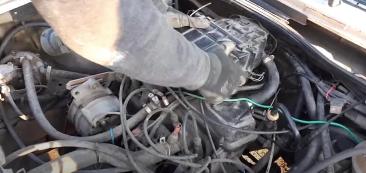 Заміна повітряного фільтра Kolbenschmidt 50013060 на Volkswagen Golf II
