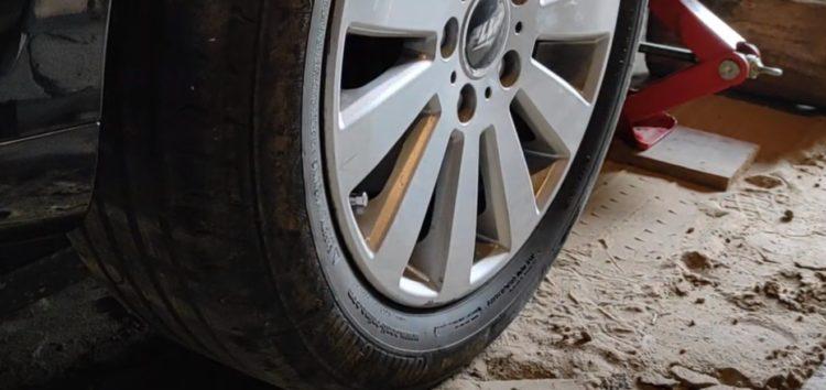 Заміна гальмівних колодок Toyota 04465 05270 на Toyota Corolla Verso 2.2 (відео)