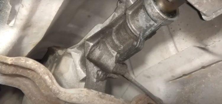 Заміна сальника хвостовика редуктора Corteco 12000635 на Ford Sierra 1.8 (відео)