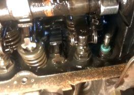 Заміна сальників клапанів Goetze 50 306122 50 на Ford Sierra 1.8 (відео)