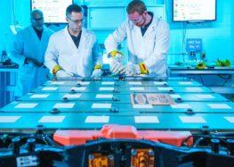 GM управляет батареями без проводов