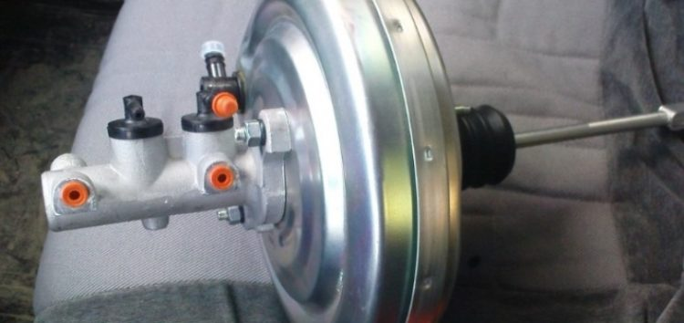 Перевірка вакуумного підсилювача гальм