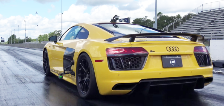 """Як 3000-сильний Audi R8 розірвав """"чверть милі"""" (відео)"""