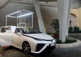 """Папа пересяде на """"чистий"""" автомобіль"""
