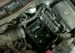 Заміна фільтра повітряного WIX WA9627 на Toyota Corolla (відео)