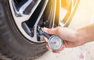 Зачем повышать давление в шинах зимой