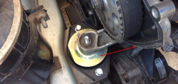 Експерти розповіли як перевірити подушки двигуна