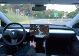 """Tesla показала софт """"безпілотників"""" (відео)"""