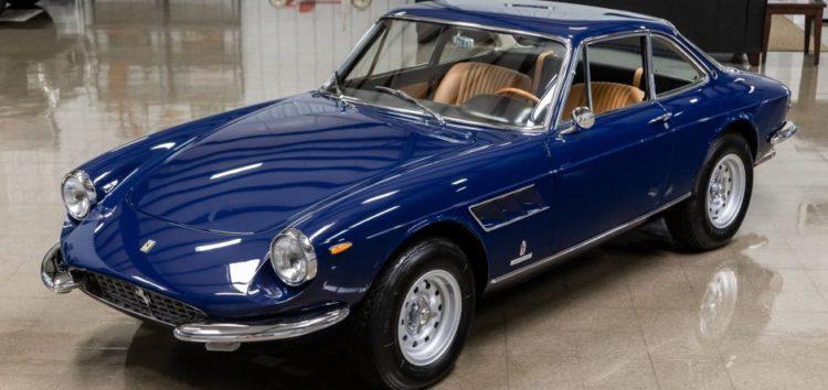 На аукціон виставили раритетний автомобіль Ferrari
