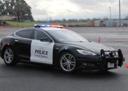 Поліція США розповіла скільки економить Tesla Model S