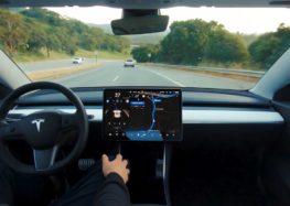 Новий автопілот Tesla постійно оновлюється і більше контролює