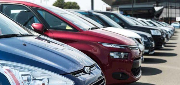 Українці стали більше купувати «молоді» авто