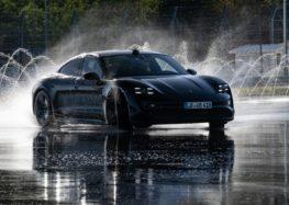 Електромобіль Porsche Taycan потрапив в «Книгу рекордів Гіннесса» (відео)