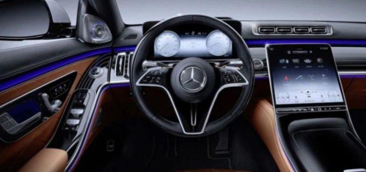 Mercedes-Benz відмовляється від «автопілотів»