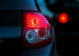 Поліція планує полювати за червоними лампами автомобілів