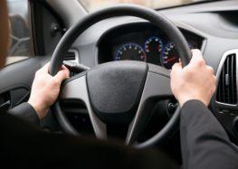 Що робити з люфтом рульового колеса