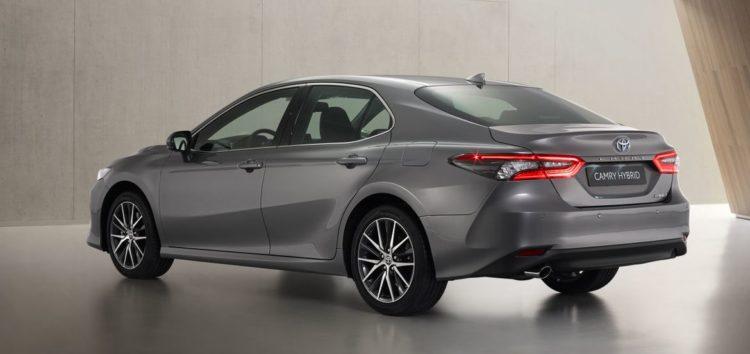 Представили оновлену Toyota Camry