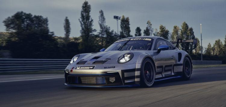 Porsche показала новий гоночний автомобіль 911 GT3 Cup
