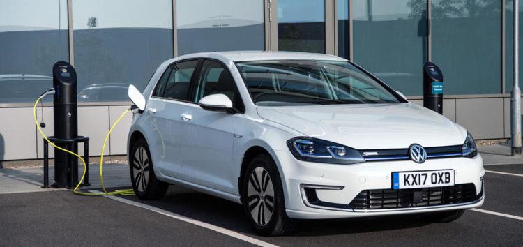 Volkswagen припинив виробництво електрокару e-Golf