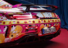 Mercedes-Benz нарядила свої автомобілі в різдвяні образи