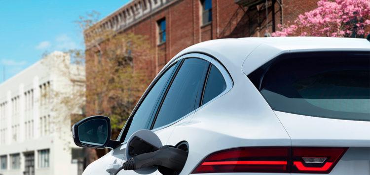 Jaguar випустить новий електромобіль, який стане конкурентом Tesla Model X