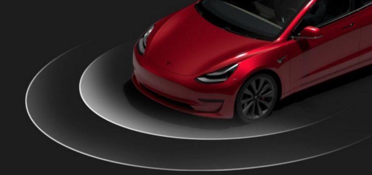 Нове оновлення Tesla дозволяє грати в The Battle of Polytopia і відтворювати різні звуки