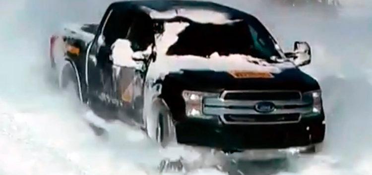 Ford показав електропікап взимку (відео)