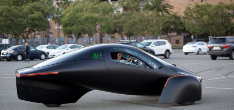 Aptera запропонує електромобіль без необхідності підзарядки