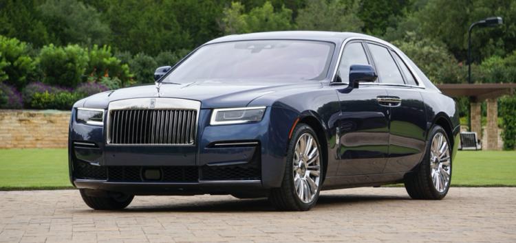 В перші дні 2021-го року в Україну завезли найновіший Rolls-Royce