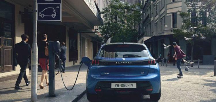 Peugeot 208 і 2008 стануть електрокарами