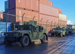 Латвія подарувала Україні 7 медичних Land Rover