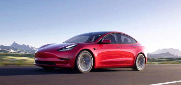 Представили оновлену версію Tesla Model 3