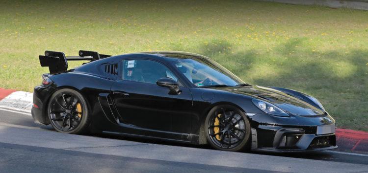 Суворі випробування для Porsche Cayman GT4 RS