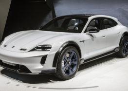 Перший електричний кросовер від Porsche розсекретили перед прем'єрою