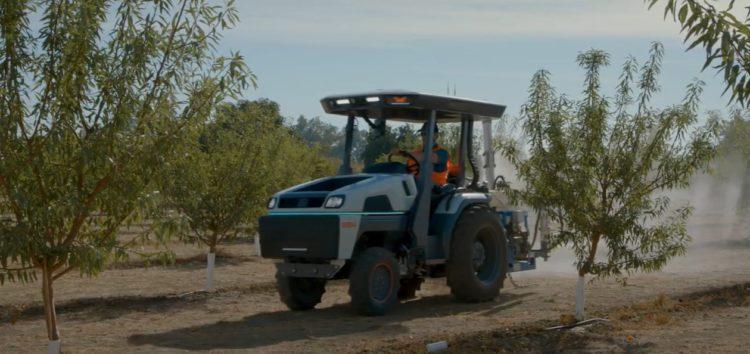 Трактори з автопілотом та електродвигуном (відео)