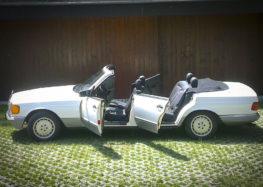 На аукціоні продають рідкісний чотиридверний кабріолет Mercedes