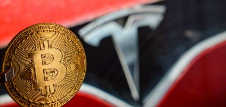 Tesla заробляє не на автомобілях