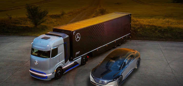 Компанію Daimler розділять на два напрямки