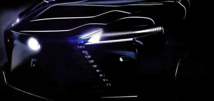 Lexus анонсував три новинки