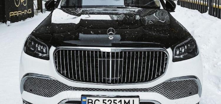 На украинских дорогах разъезжает роскошный Maybach