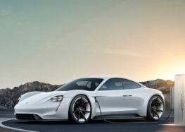 Назвали ціну нового електромобіля Porsche Taycan в Україні