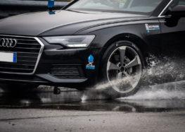 Audi допоможе подолати аквапланування